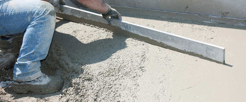 turnare beton in curte