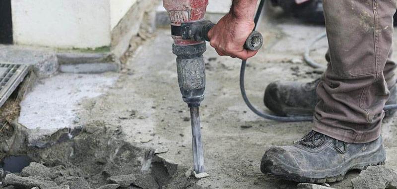 indepartare beton deteriorat
